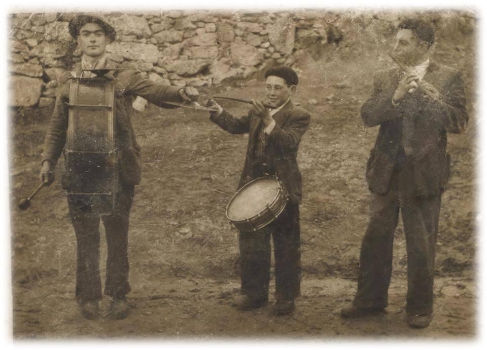 Ano 1950. Ramiro Villamor, O Gaiteiro de Santo Xusto (Palas de Rei) . Aportación de Bruno Villamor