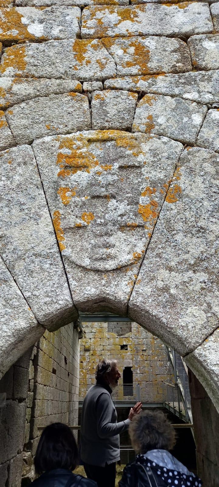 Visita guiada ao castelo de Pambre, inauguración de exposición de menchu Lamas, Instituto de Estudos Ulloáns, Francisco Pardo Teijeiro, 3-7-2021