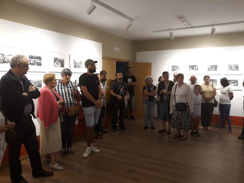 Exposición Por Feiras e Mercados. Sala do Instituto de Estudos Ulloáns 1