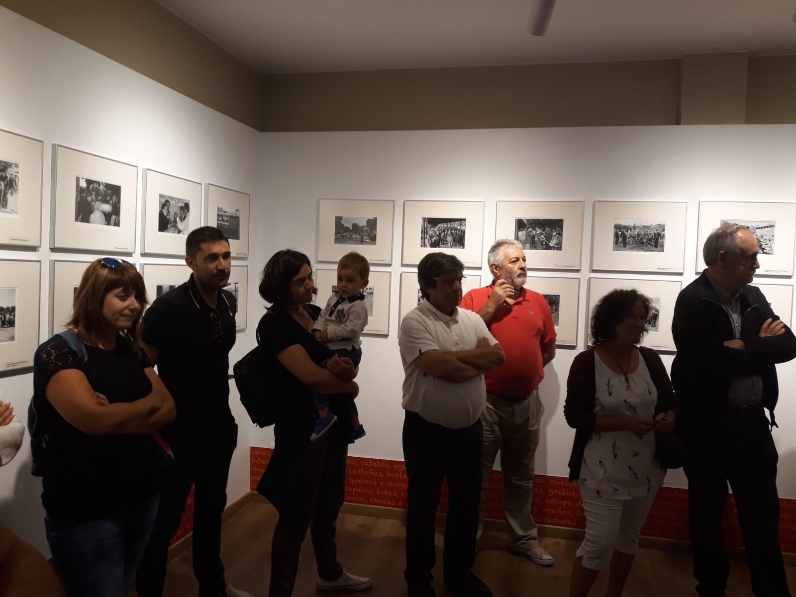 Exposición Por Feiras e Mercados. Sala do Instituto de Estudos Ulloáns 2