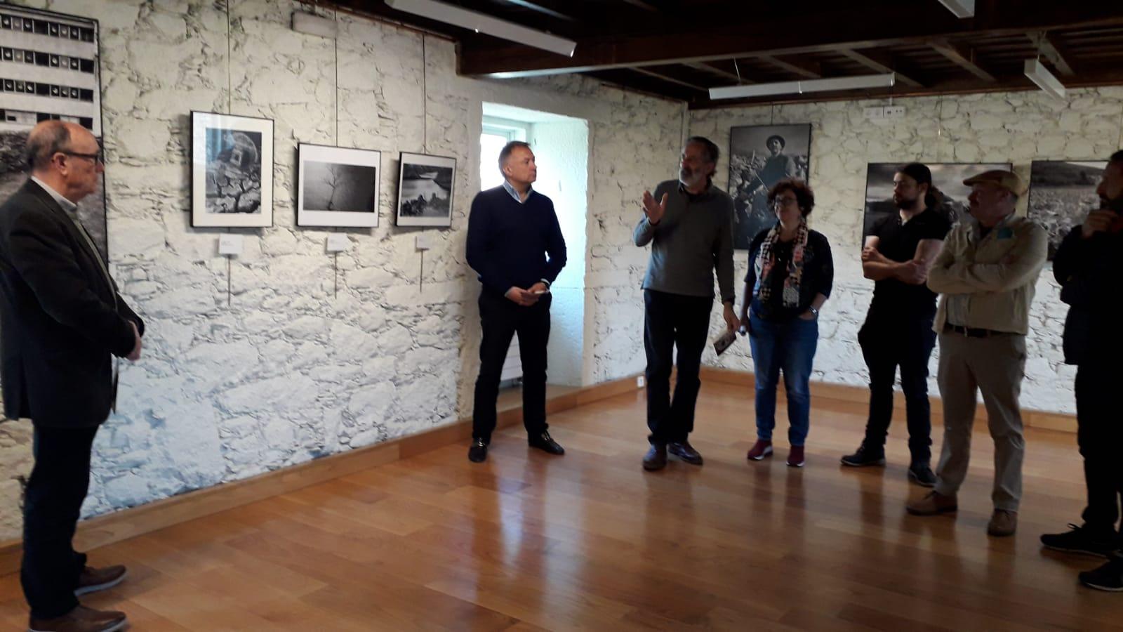 exposición Anxo Cabada, castelo de Pambre, Instituto de Estudos Ulloáns