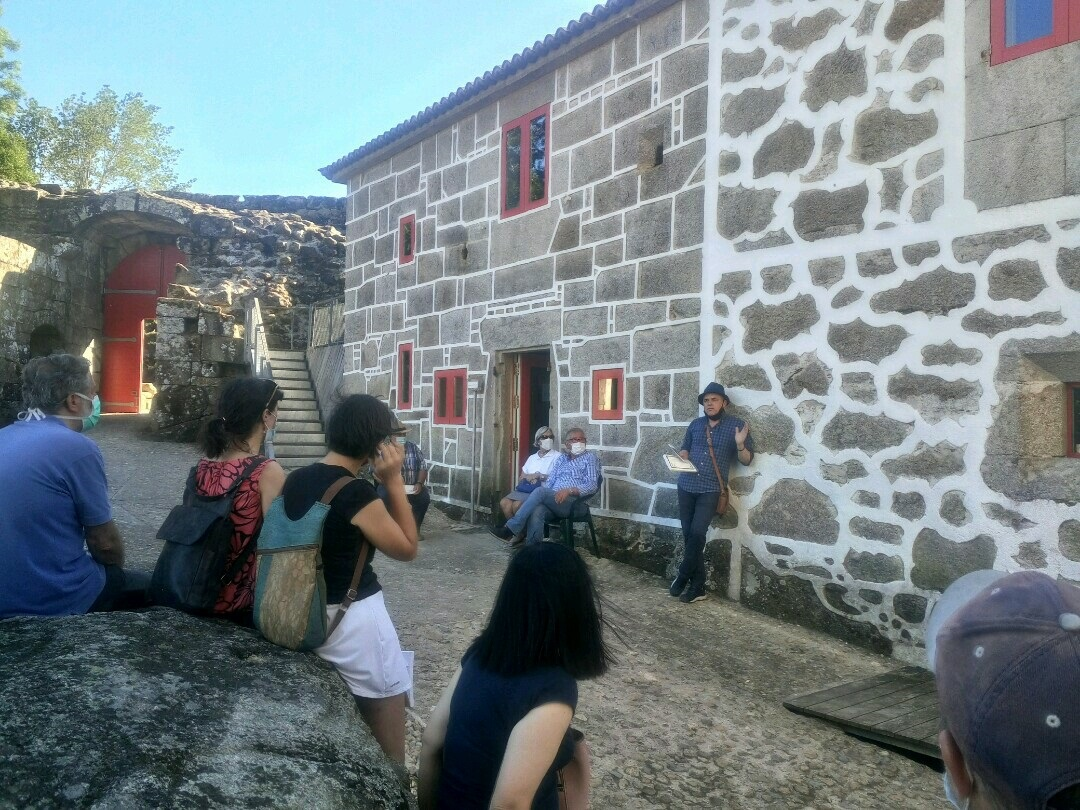 O poeta Toño Núñez, presentación Cairon 4, castelo de Pambre, Instituto de Estudos Ulloáns, concello de Plas de Rei