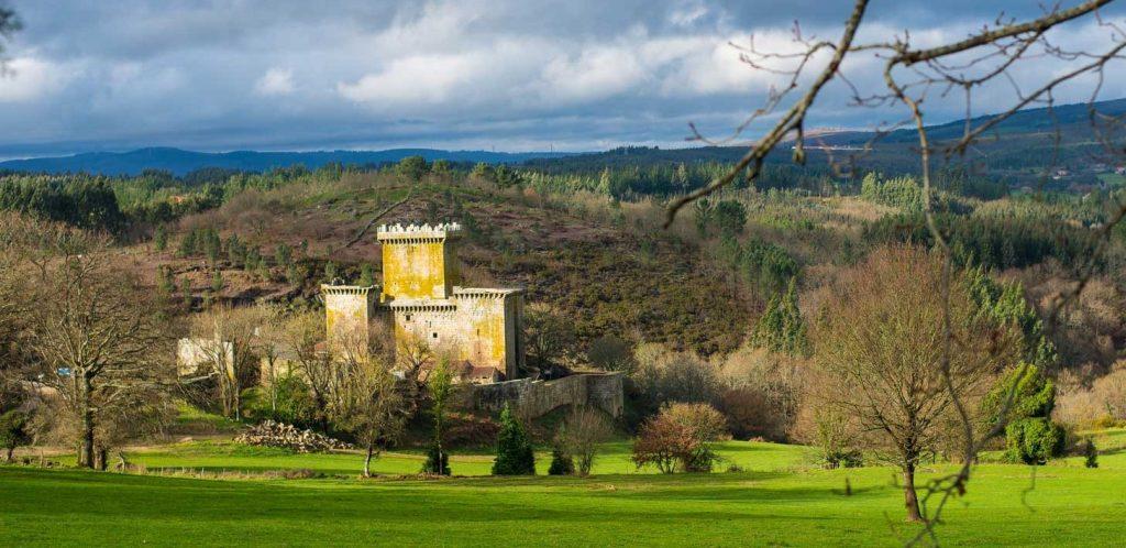 castelo de Pambre, fotografía de Patricia Coucheiro, Instituto de Estudos Ulloáns